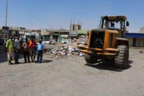 محلي مديرية الشيخ عثمان بعدن يؤكد استمرار اعمال النظافة في المديرية