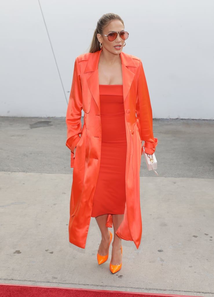 Jennifer-Lopez-Orange-Dress-Heels-Despierta-America