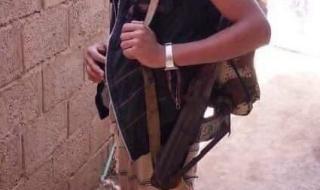 شاهد صورة الطفل الحوثي الذي قتل بالضالع..ماذا قال للإعلامي محمد العرب قبل مصرعه
