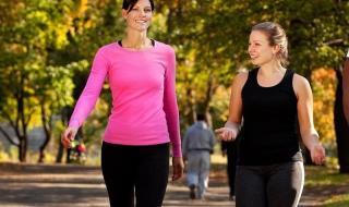 المشي ساعة يمحو عامًا من عمر الدماغ !