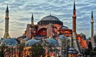 """لهذه الأسباب حول أردوغان """"آيا صوفيا"""" لمسجد"""