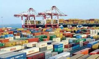 مسؤول إيراني يعترف بإنخفاض صادرات بلاده غير النفطية بنسبة 40 بالمائة