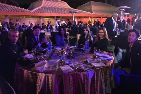 """سفير سوريا لدى مصر و""""شقلب"""" يتقدمان بالتهنئة لمنتخب الفراعنة (صور)"""