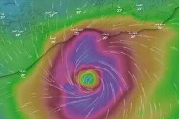 شاهد .. اعصار ساجار يضرب سواحل محافظتي شبوة وأبين