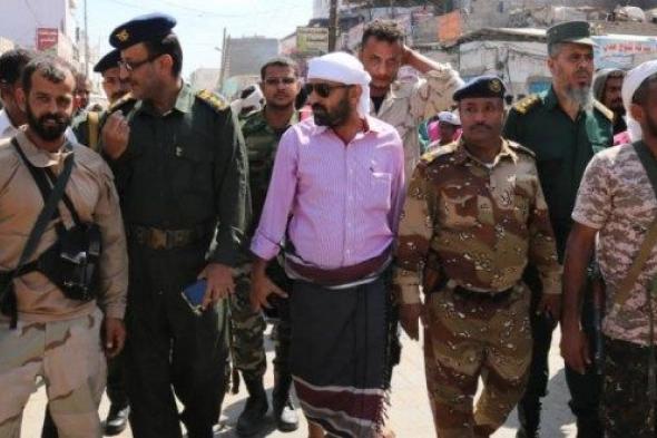 السلطة المحلية بالشيخ عثمان بعدن تطلق حملة على الدراجات النارية