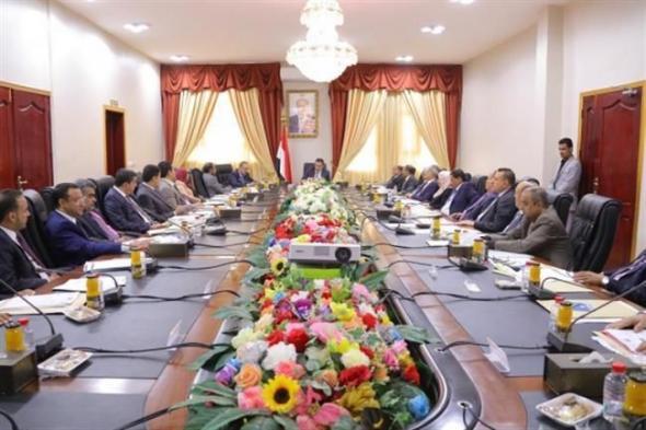 بماذا علقت الحكومة اليمنية على قصف الحوثيين لقاعذة العند؟
