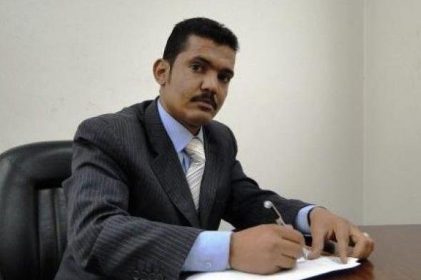 بعد كشفه صفقات فساد كبيره محافظ البنك المركزي يهدد صحفي جنوبي بالتصفية