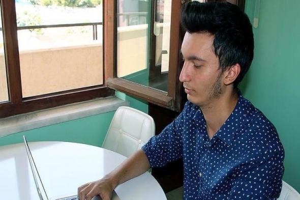 دراسة: الموسيقى في مكان العمل تحمي من الاكتئاب
