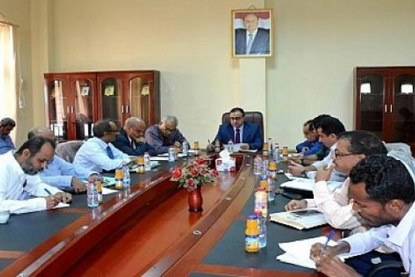 رئيس جامعة عدن يلتقي بلجنتي تسيير مشروع المستشفى التعليمي ووحدة تنفيذه