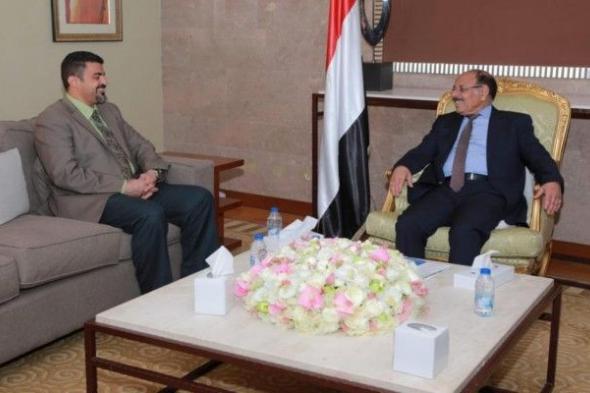 نائب رئيس الجمهورية يلتقي محافظ عدن