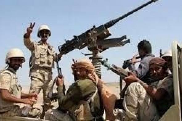 """بعد شروط """"الحوثي"""" الجديدة...مسؤول حكومي يتحدث عن """"كسر عسكري"""" ويبشر كافة الموظفين في عموم المحافظات"""