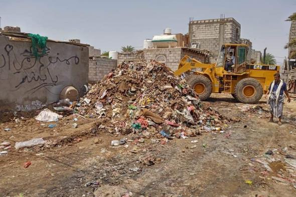 مؤسسة ابو حاتم بانافع تنفذ حملة نظافة واسعة في خورمكسر