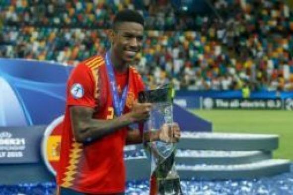 برشلونة يعلن رابع صفقاته للموسم الجديد