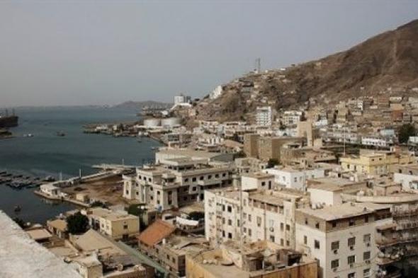 مسؤول يمني: لن نسلم معسكرات عدن لتنظيم الإخوان الإرهابي