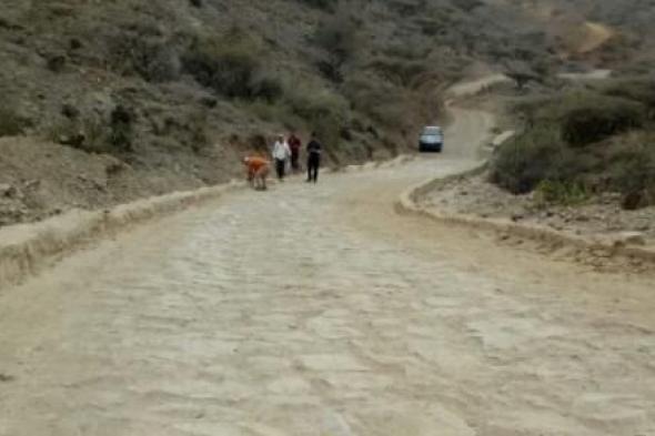 """فريق من الأشغال والنقل يتفقد المراحل المنجزة في مشروع طريق """"نعمان – حبيل حنش"""" بمسيمير #لحج"""