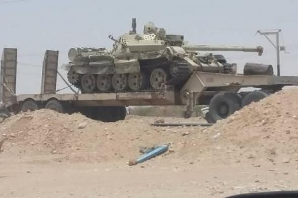 الشرعية تدفع بأسلحة ثقيلة بينها دبابات الى أبين وناشطون يحذرون من مؤامرة