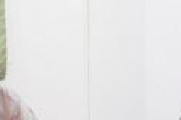 محافظ حضرموت يعقد لقاءً لمناقشة وضع الكهرباء بحضور الخبير الاقتصادي المصري محمد الحداد