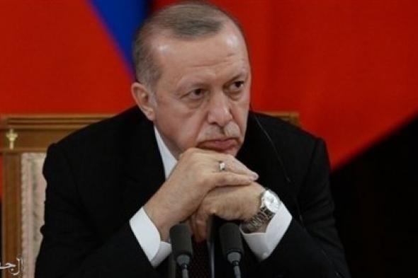 """""""بلومبرج"""": أردوغان يطيح بعدد من المسئولين بعد تفاقم الأزمات الاقتصادية"""